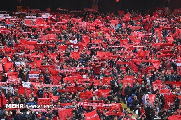 شعار طرفداران تراکتور علیه بیرانوند، خوش و بش گرم لیکنز با برانکو