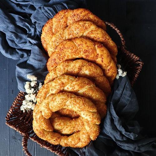 طرز تهیه نان سنتی ترکیه ، نان سیمیت فوق العاده لذیذه