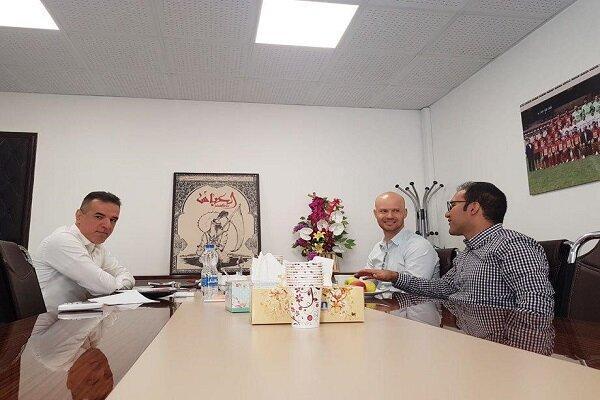 جلسه مهم انصاریفرد با کالدرون، مهاجم خارجی پرسپولیس انتخاب می گردد