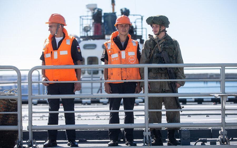 واکنش رسانه های آمریکایی و انگلیسی به رزمایش دریایی ایران، روسیه و چین ، تصاویر ناو چینی و روسی