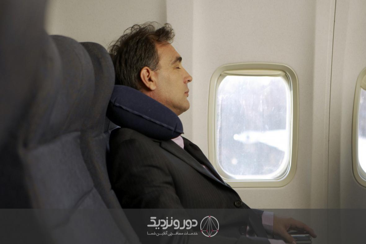 عوامل بی خوابی در سفر و درمان آن