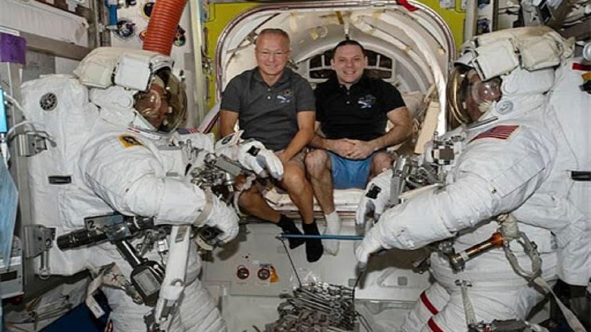 بازگشت موفقیت آمیز فضانوردان ناسا به زمین