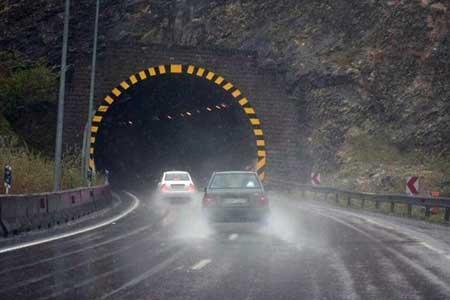 بارش باران در جاده های چند استان ، پنج جاده مسدود است