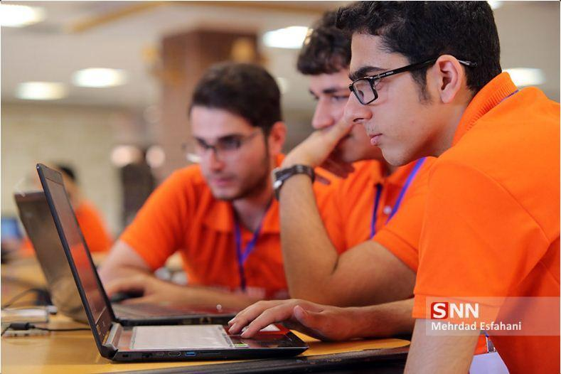 3 طرح دانشگاه آزاد قزوین در رویداد کاروان سرمایه گذاری استارت آپی برگزیده شدند