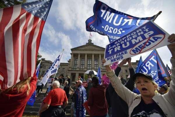 تجمع گروه های راست افراطی در واشنگتن، ترامپ: شاید من هم آمدم!