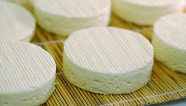 ماسک آب پنیر بهترین غذای پوست و مو