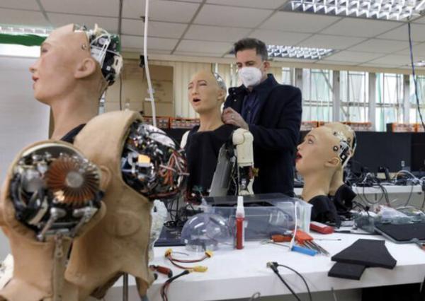 شیوع کرونا به فراوری انبوه ربات انسان نما منجر شد